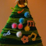 あったか手作りクリスマスツリーをフェルトと毛糸で作ろう!針も糸も不要なので小さな子供でも簡単☆