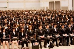 A 大学の入学式向けスーツのおしゃれな着こなし方は?【女性編】_html_m32943906