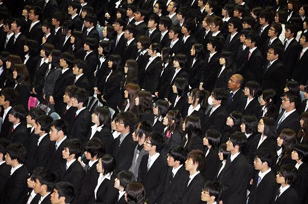 大学の入学式向け スーツの着こなし方 メンズ_html_51716747