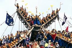 A 長野県諏訪地方の「御柱祭」_html_71d91970