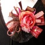 【入学式&卒業式向け母親の服装】造花でコサージュを作ってみよう part.2