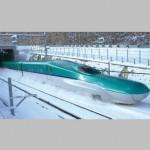 北海道新幹線が開業!東北新幹線「はやぶさ」との違いは?運行情報をご紹介♪
