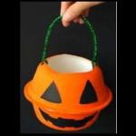 ハロウィンで使うお菓子入れを簡単に手作りしよう♪牛乳パックや紙皿でお手軽に!